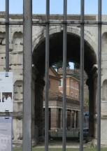 """BUFALE ARCHEOLOGICHE dal Giornale dell'Arte Luglio-Agosto 2018 """"Ingabbiato e abbandonato"""""""